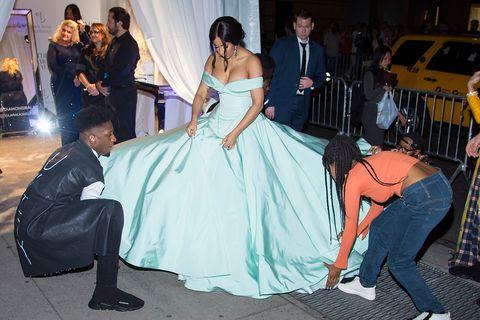 Paparazzi Ready: The stylist behind Cardi B's bestlooks